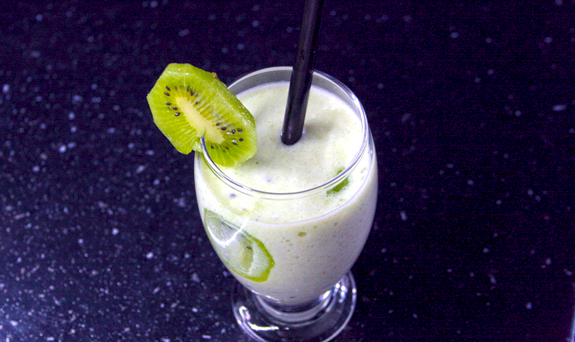 Kiwi, Pear and Banana Smoothie recipe
